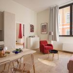 Salon moderno. Viviendas de alquiler turístico en comunidades de propietarios