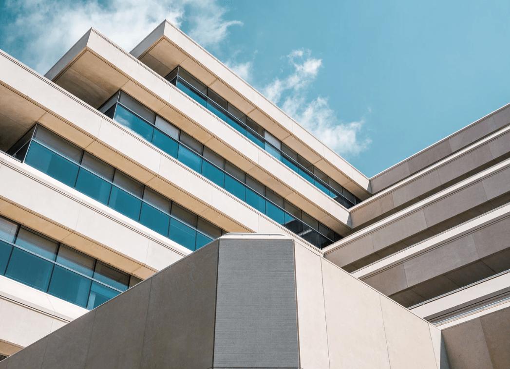 ¿Es útil la consignación judicial o notarial de las deudas con la comunidad de propietarios?